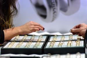 Bild Karat beachten beim Goldschmuck Kauf