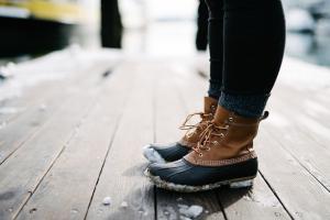 Stiefel mit Schnee
