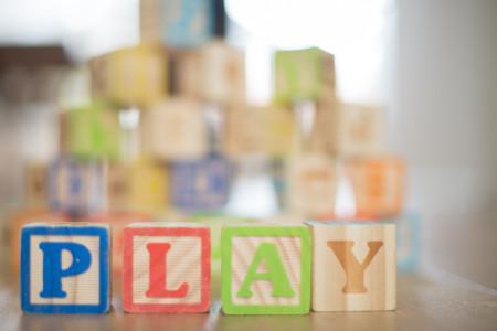 Holzspielzeug PLAY
