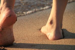 Bild Barfuß am Strand