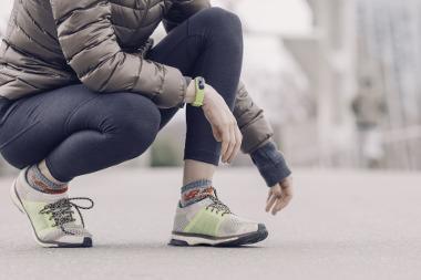 Bild Frau mit Fitnesstracker