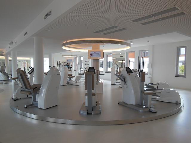 Bild modernes Fitnessstudio
