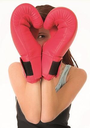 Bild Frau mit Boxhandschuhen