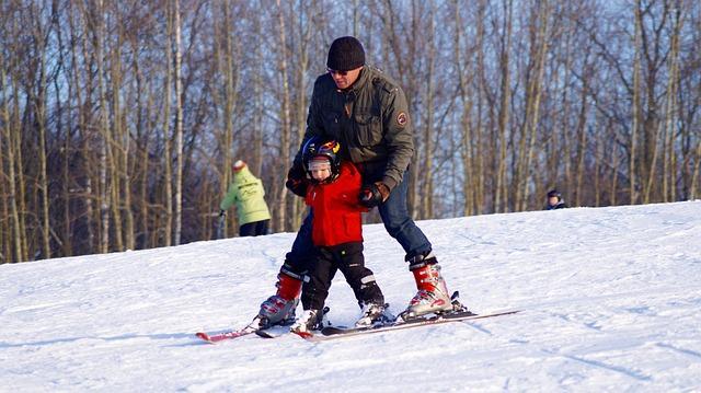 Bild Ski-Anfänger fährt Pflug