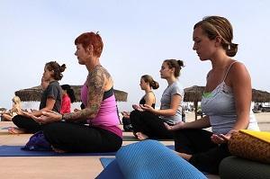 Bild Frauen beim Yoga