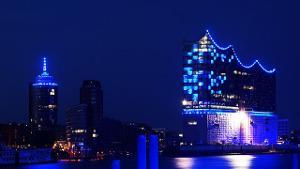 Bild Skyline Hamburg bei Nacht