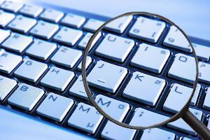 Computer Tastatur mit Lupe