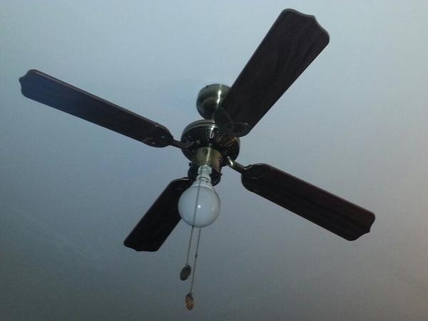 deckenventilatoren f r energiesparendes heizen im winter. Black Bedroom Furniture Sets. Home Design Ideas