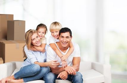 Bild Familie beim Umzug