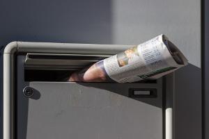 Bild Briefkasten mit Zeitung