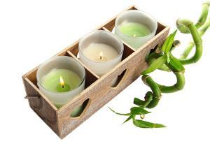 Bild Kerzen in Holzkiste