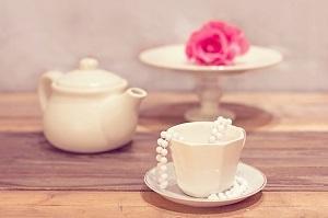 Weiße Teetassen